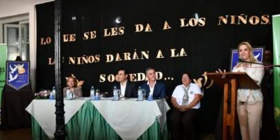 Valdés inauguró refacciones en la escuela 17