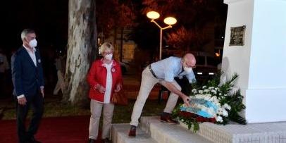 Bella Vista emplazó un monumento en homenaje al doctor Raúl Alfonsín