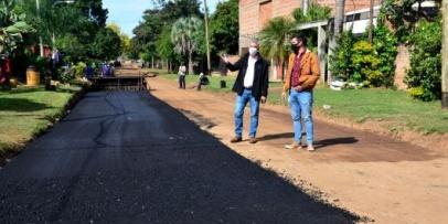 Avanza el plan de 40 cuadras de asfalto