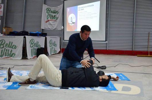 Realizan capacitación abierta en emergencias sanitarias