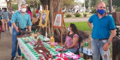 Vuelven las ferias artesanales en plaza Pedro Ferré